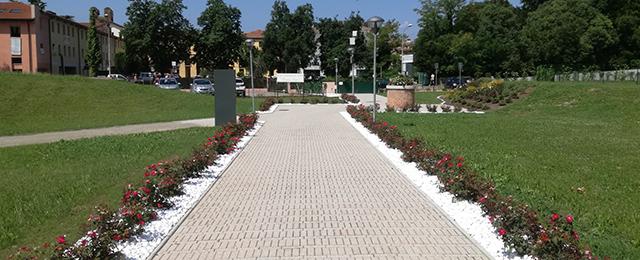 Aiuole e fioriture centro residenziale per anziani a Castelfranco Veneto