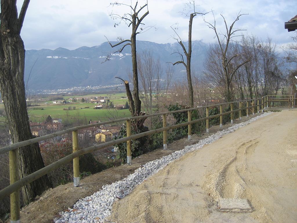 immagine progetto sistemazione area verde con nuova palizzata
