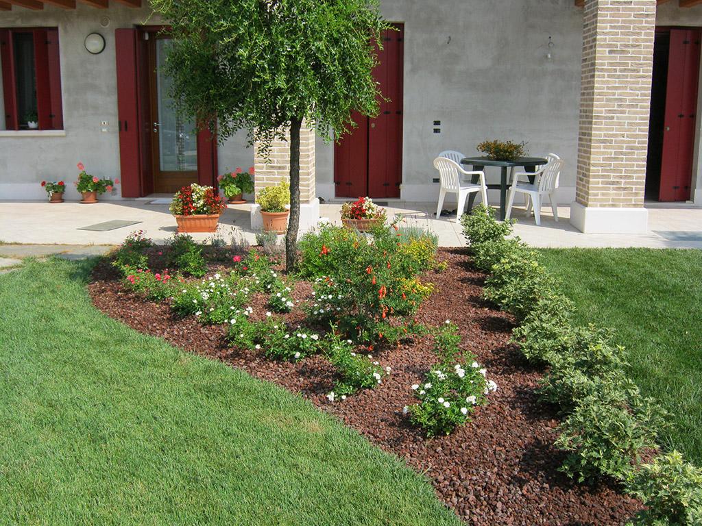 Progetto giardino privato con aiuole a riese pio x verde idea - Progetto giardino privato ...