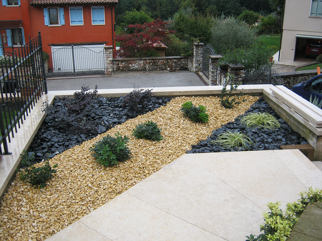 giardino con prato a rotoli a Cavaso del Tomba