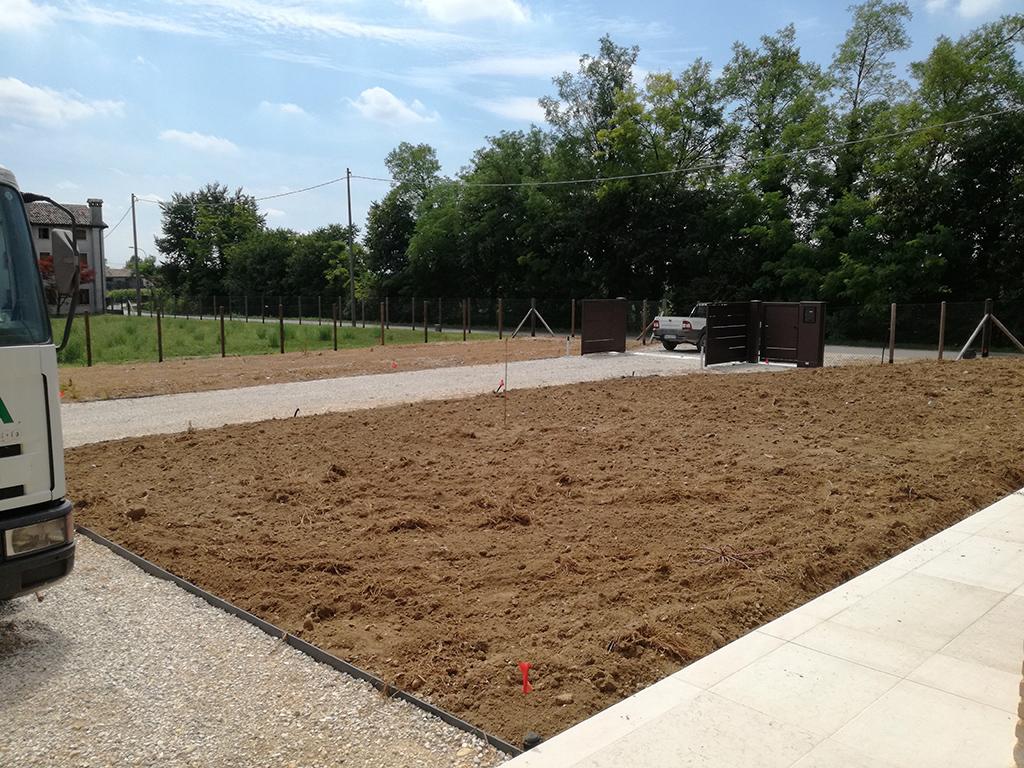 giardino privato con prato seminato a san zenone degli ezzelini
