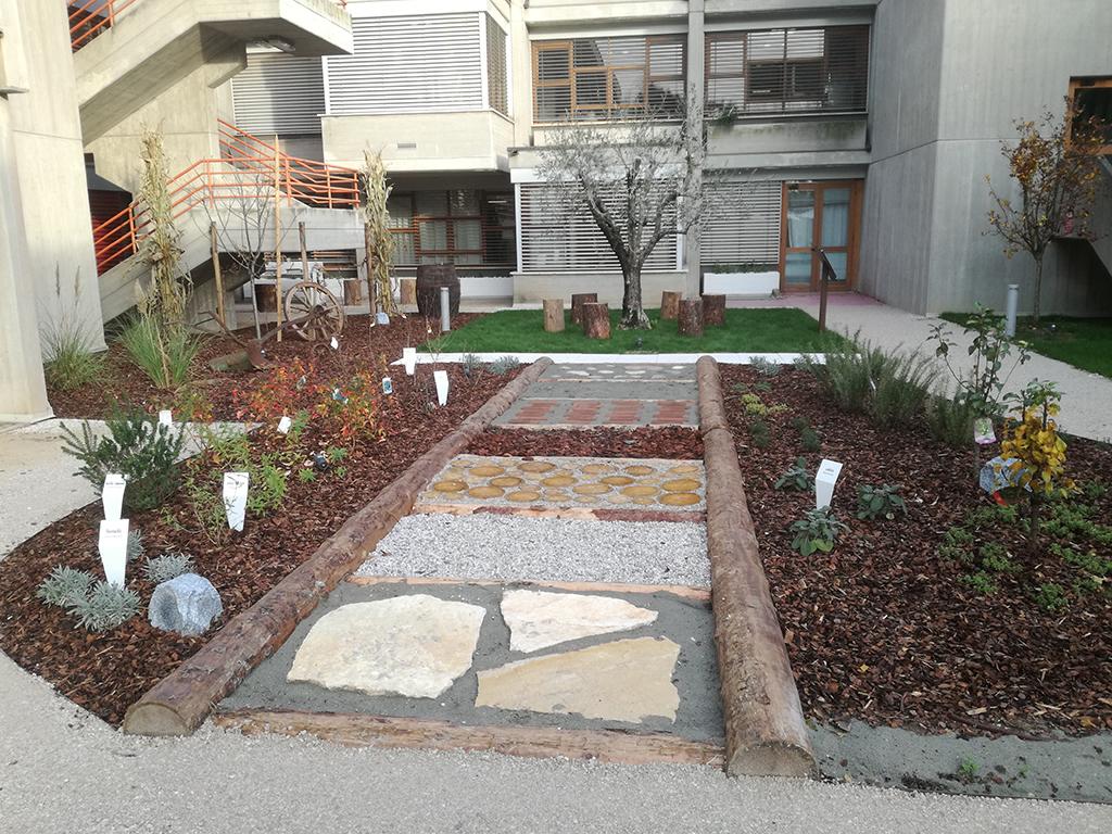 realizzazione giardino sensoriale a Castelfranco Veneto foto 11