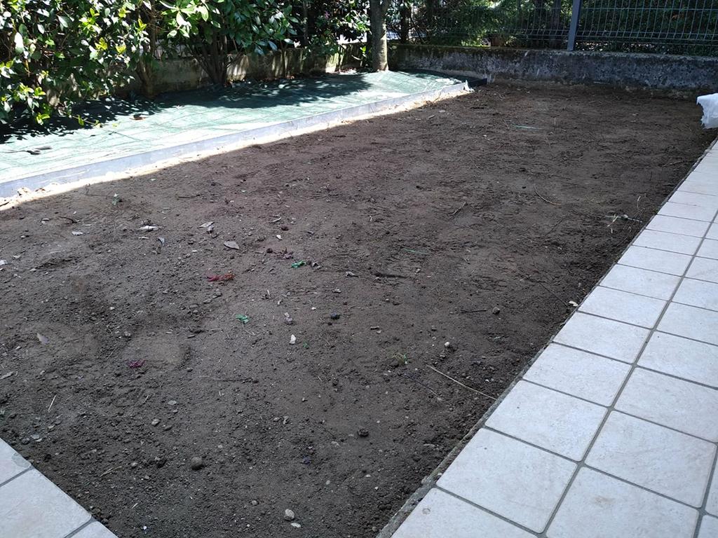 realizzazione piccolo giardino con graniglie a rosà foto 2