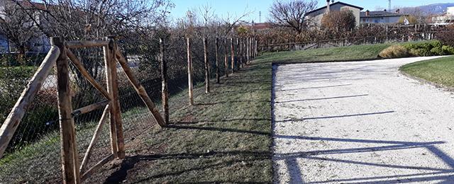 foto realizzazione staccionata per giardino a Fonte